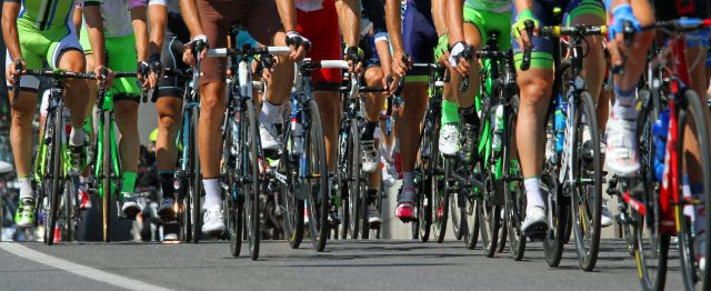 Cyclists in the peloton | mechanical doping
